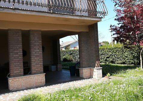Villa a Porto Mantovano