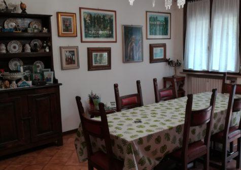 Appartamento in Vall. Valsecchi
