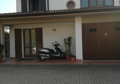 Villa bifamiliare in vendita a Curtatone