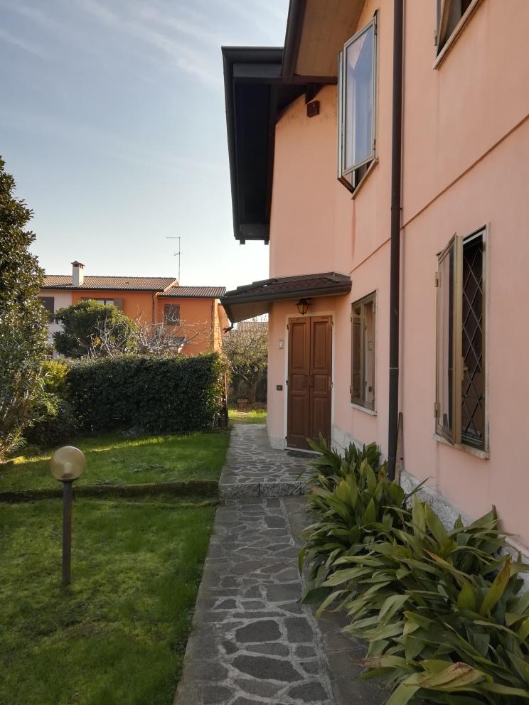 Villa a Porto Mantovano vendesi